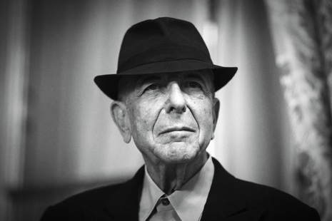 Canadian singer and poet Leonard Cohen i